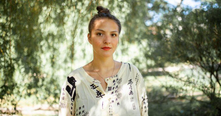 Tre år etter suksessdebuten er Maria Navarro skaranger tilbake med Bok om sorg
